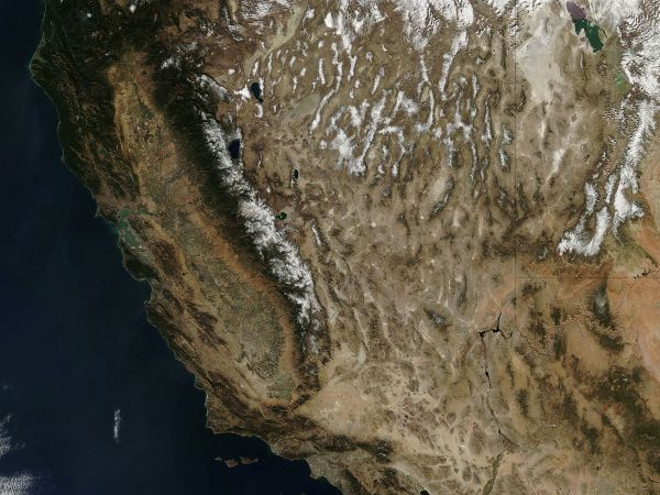 Autumn snow In The western United States