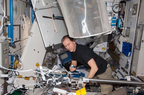 Astronaut Tom Marshburn Updates Software