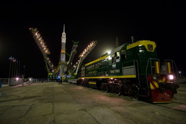 Expedition 47 Soyuz Raising