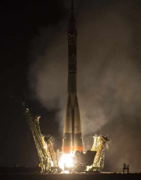 Soyuz Lifts Off Carrying Jeff Williams and Crewmates to Station