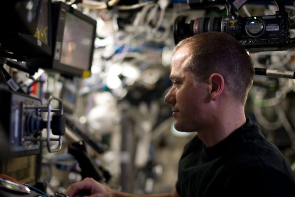 Expedition 34 Flight Engineer Tom Marshburn