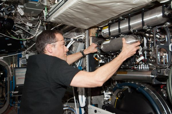 Astronaut Tom Marshburn Works on Combustion Integrated Rack
