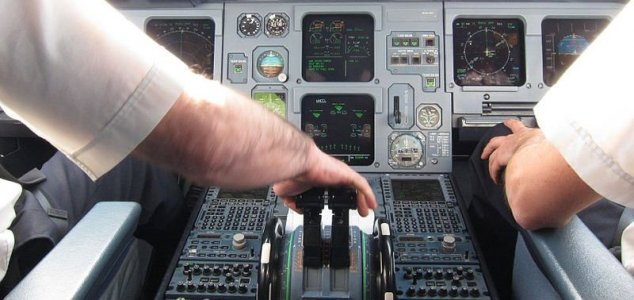 Airline pilots encounter UFO over Ireland  News-airbus-a320