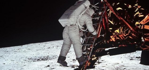 Original Apollo 11 tapes to fetch $2 million News-aldrin-moon-shadow