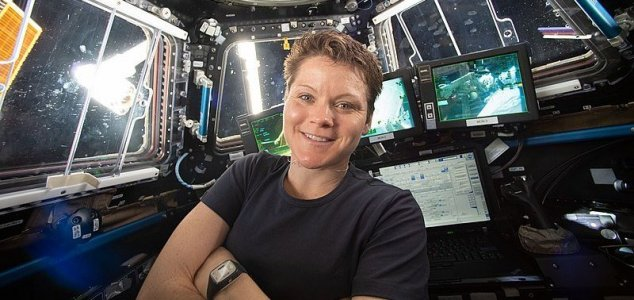 NASA is investigating 'first crime in space' lol  News-anne-mcclain