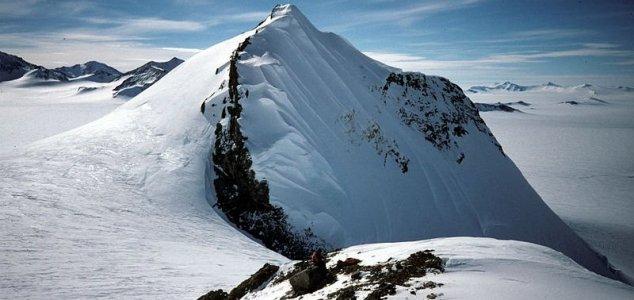 Relics of lost continents found under Antarctica News-antarctica-3