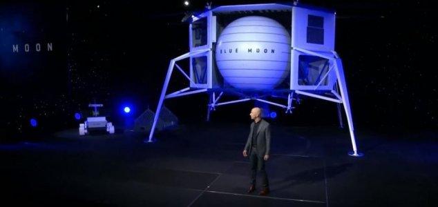 Jeff Bezos unveils 'Blue Moon' lunar lander News-blue-moon-bezos