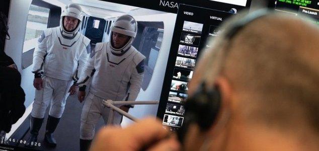 Astronauts rehearse for Crew Dragon flight News-crew-dragon-crew