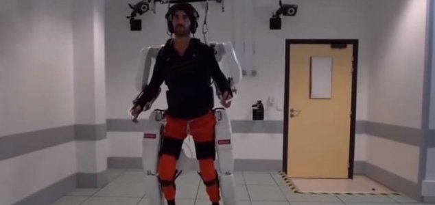 Paralyzed man walks again using exoskeleton News-exo-para
