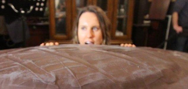 Bakers Create World S Largest Jaffa Cake Unexplained