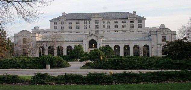 Ghost stories abound at Iowa State's campus News-iowa-state-memorial