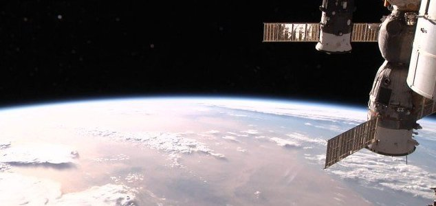 Bacterium survives outside ISS for entire year News-iss-stream