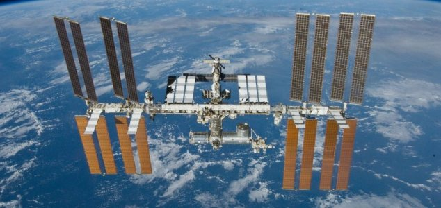ISS air leak finally traced using a tea bag News-iss-undock