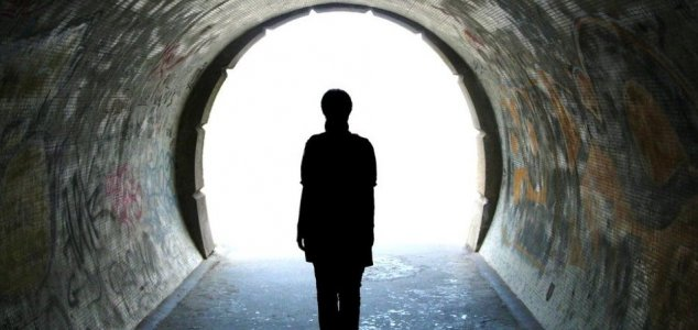 Near-death experiencers recount their stories News-light-tunnel