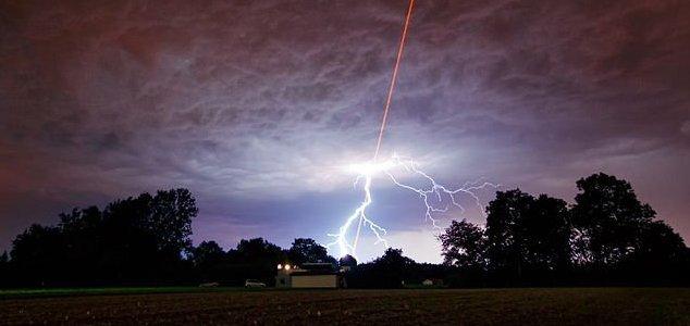US Navy patents tech to create plasma 'UFOs' News-lightning-laser