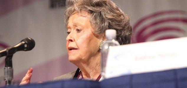 Paranormal investigator Lorraine Warren dies News-lorraine-warren