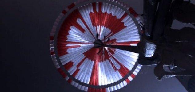 Hidden message found on Mars parachute News-mars-chute