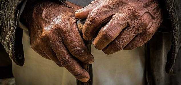 Scientists 'reverse biological age of humans' News-old-hands