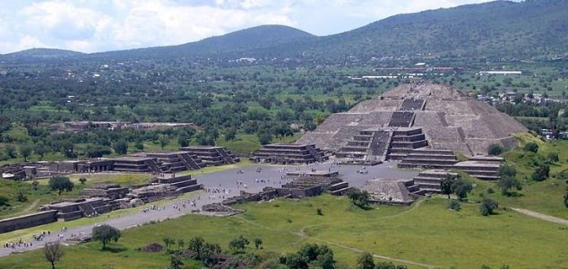 Secret tunnel found under Teotihuacan pyramid News-pyramid-of-the-moon
