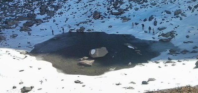 Mystery surrounds Himalayan 'skeleton lake' News-roopkund-lake