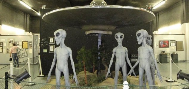Senator sparks criticism with ET religion Tweet News-roswell-aliens