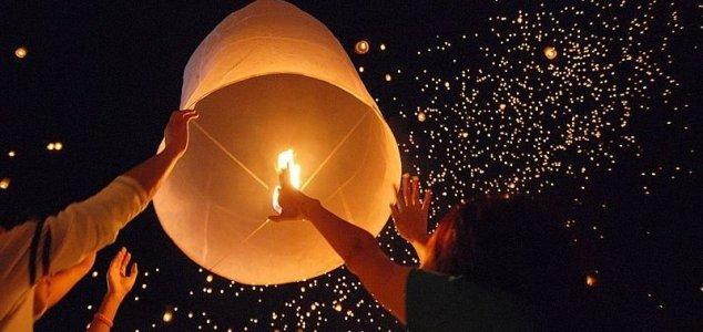 Chinese lanterns and mass UFO sightings News-sky-lanterns