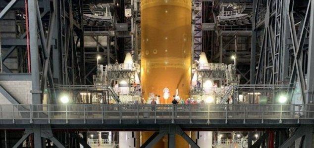 First view of NASA's assembled 'megarocket' News-sls-1
