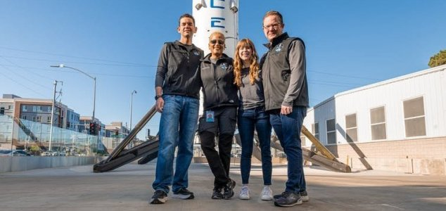 SpaceX is about to send civilians into space News-spacex-crew