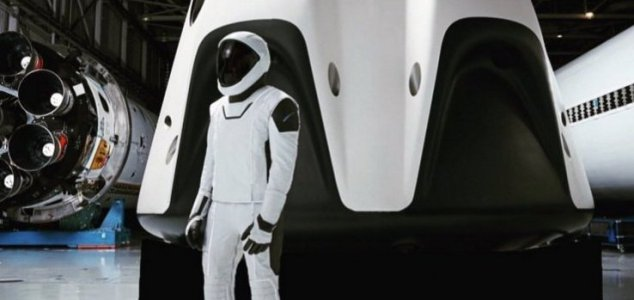 First ever entirely civilian space trip planned News-spacex-spacesuit2