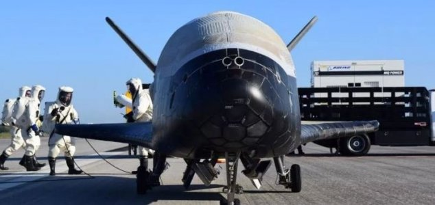 Secretive X-37b has spent 500 days in space News-x-37b-runway-3